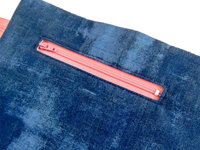 Fabri-Tac Glue for Perfect Zipper Pockets - Feature